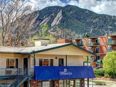 Boulder University Inn