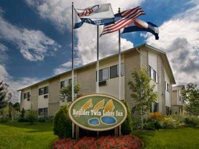 Boulder Twin Lakes Inn